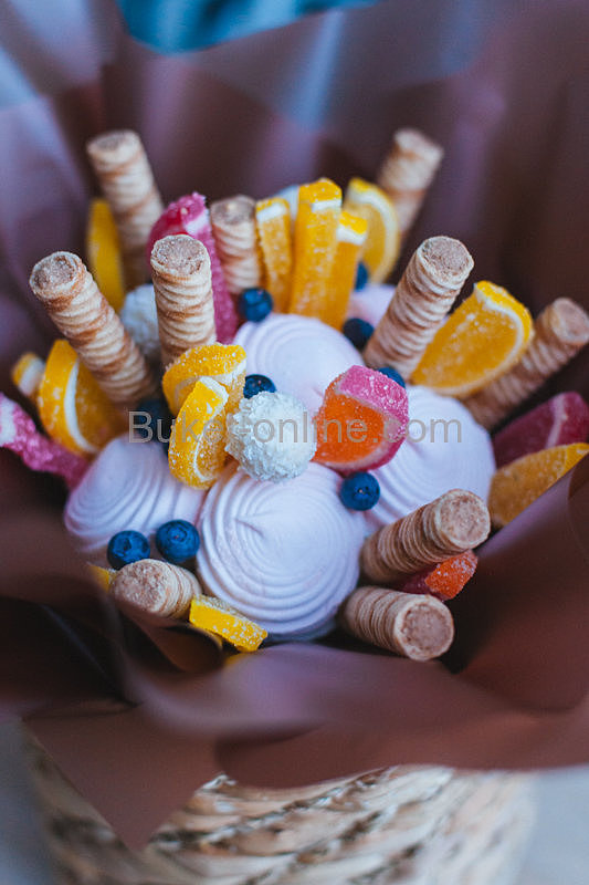 Детский букет из зефира и мармелада