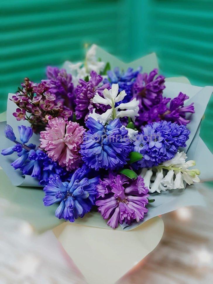 Букет синих и фиолетовых цветов