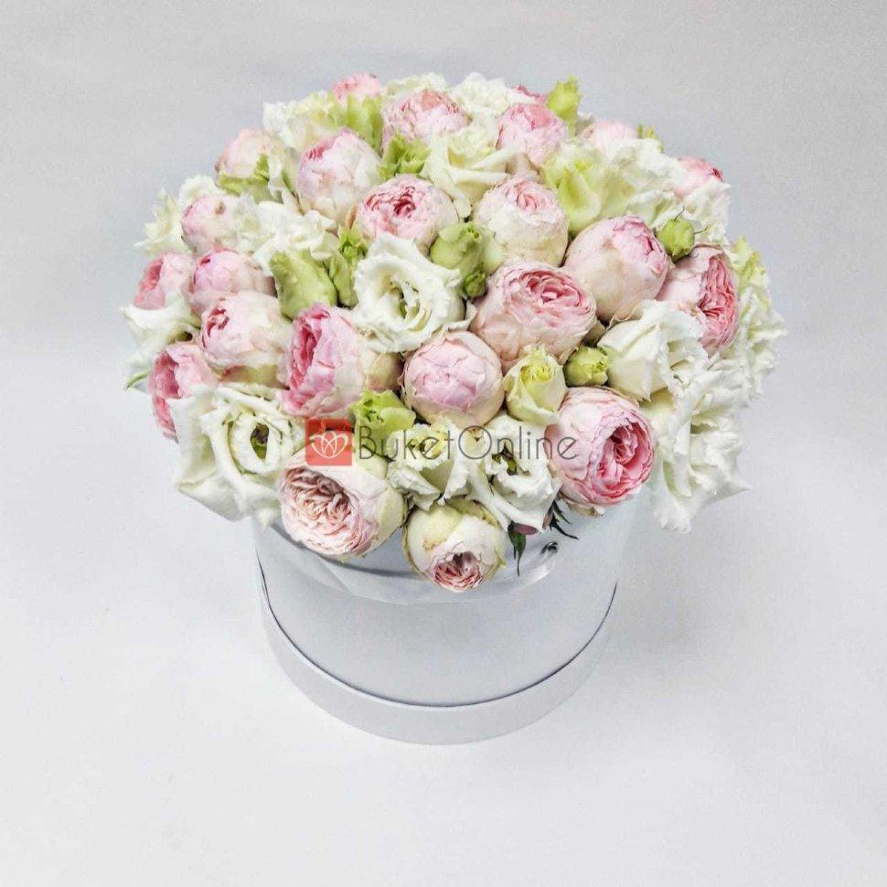 Букеты букет из пионовидной розы в коробке